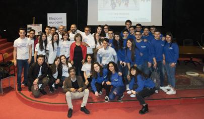 ASOC Awards 2019: quattro istituti siciliani nella top ten finale di A Scuola di OpenCoesione - foto di gruppo - 405 px